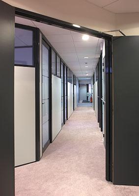 Cloisons d 39 espaces bureaux produits batimpro - Cloison demontable chambre ...